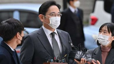Samsung chief jailed over corruption scandal